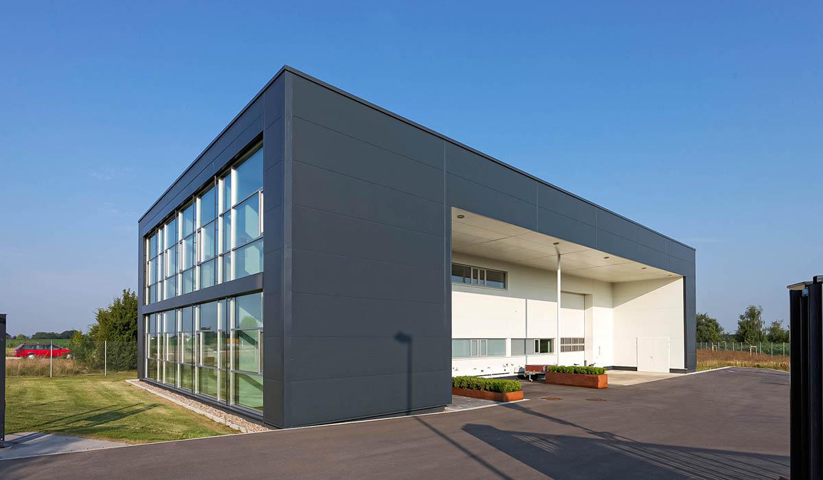 Verwaltungs- und Lagergebäude in Laupheim